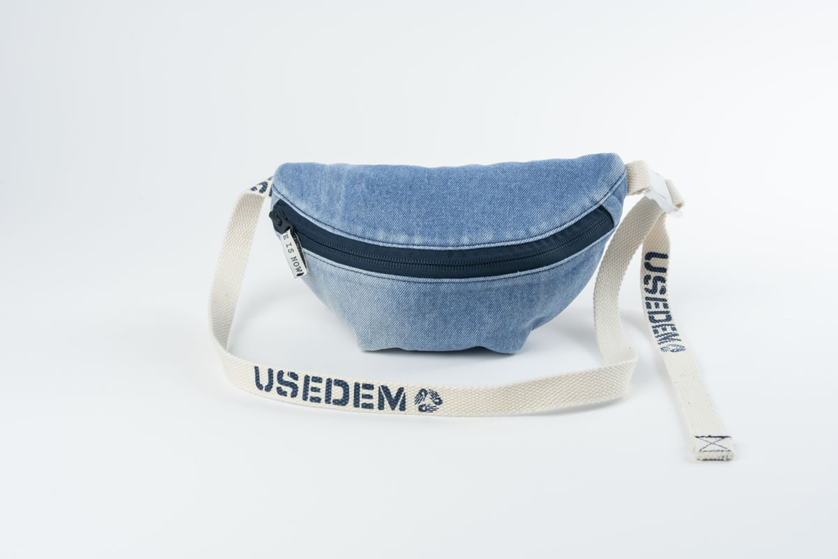 Fanny Pack #06: Lichtblauw from UseDem